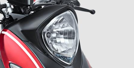 DIAMOND CUT LENS Design lampu depan yang anggun dengan kilauan bagaikan berlian.