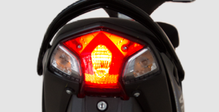 LAMPU BELAKANG SPORTY Design sporty membuat penampilan lebih gaya