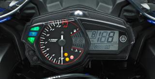 SPEEDOMETER Fitur Speedometer Lengkap (MID) dab Shifting Timing Light.